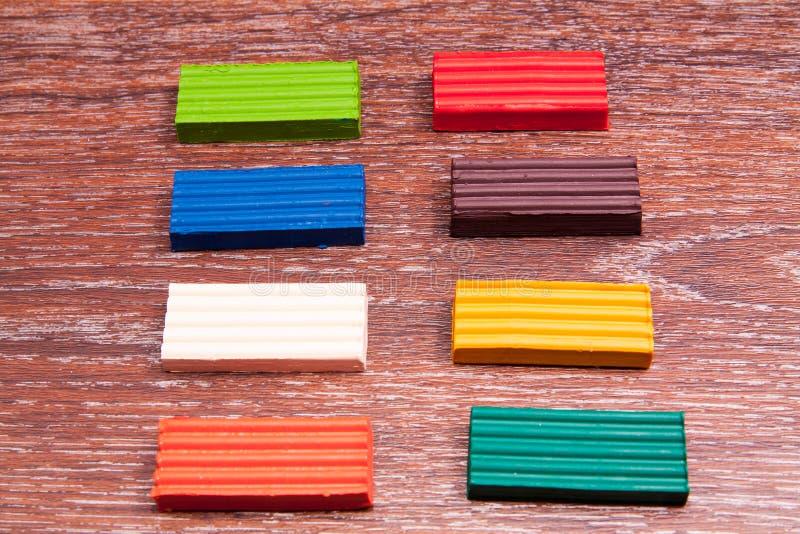 Plasticine colorato s del ` dei bambini della foto Materiali per creatività fotografie stock