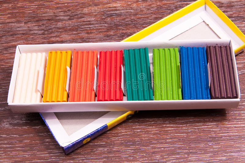 Plasticine colorato s del ` dei bambini della foto Materiali per creatività immagini stock