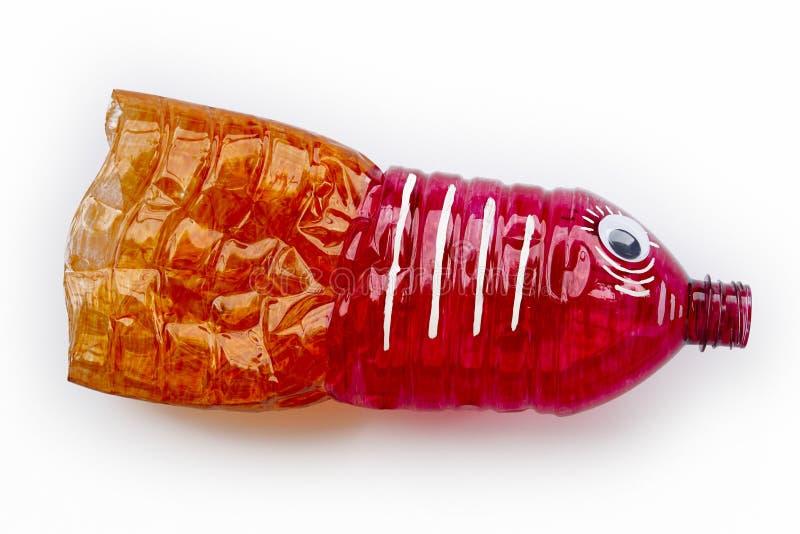 Plastikflasche aufbereitet in einer Fischzahl Wiederverwendung garbabe lizenzfreie stockfotografie