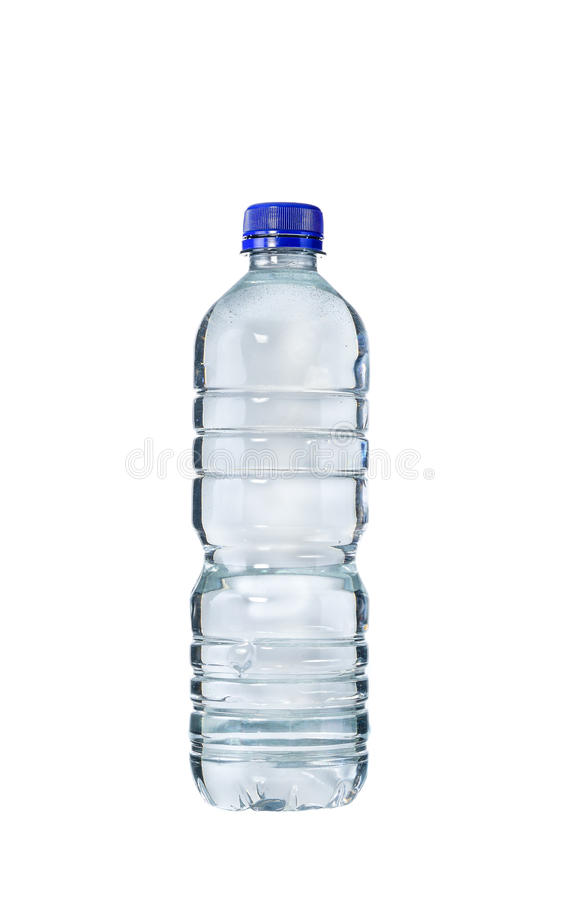 Plastikflasche Trinkwasser auf weißem Hintergrund stockfoto