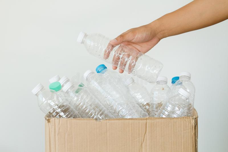 Plastikowa butelka i Przetwarza pojęcie obraz stock