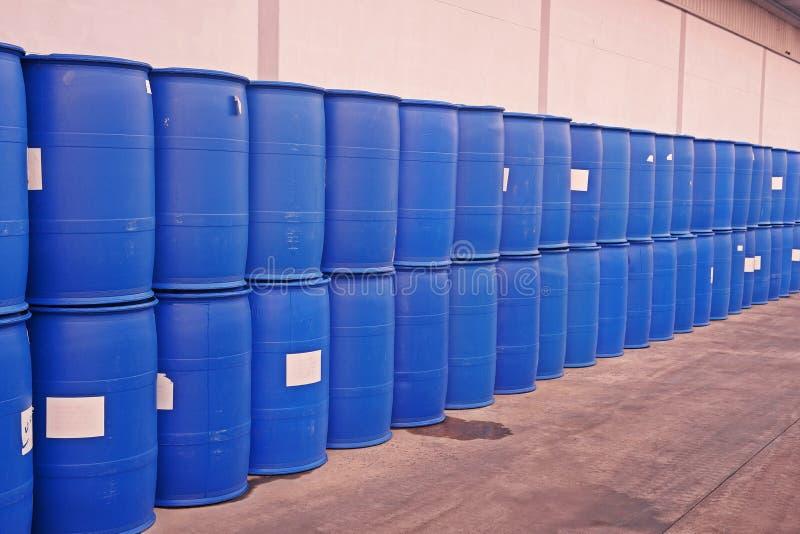 Plastikowy zbiornik dla ciekłego magazynu i transportu zdjęcie royalty free