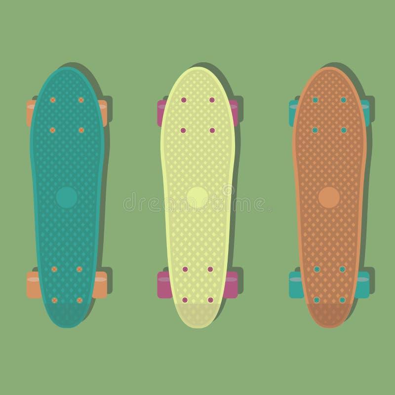3 Plastikskateboards, bekannt innerhalb der Industrie als kurzer Kreuzer stock abbildung
