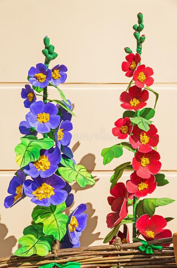 Plastique de fleurs artificielles photographie stock