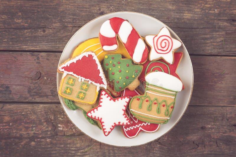 Plat avec des biscuits de Noël photo stock