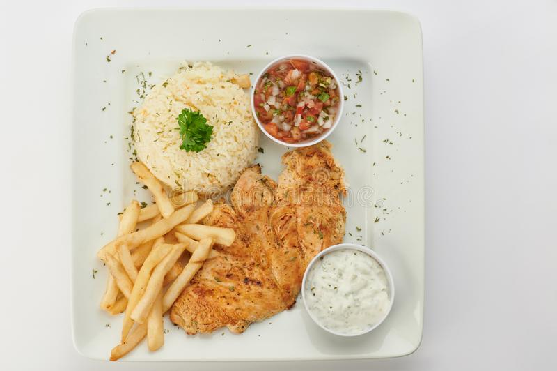Plat avec le poulet frit et la garniture photos libres de droits