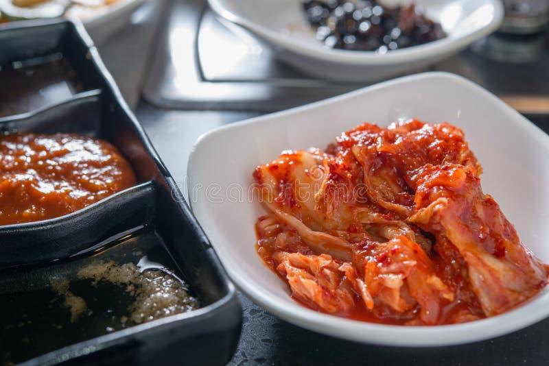 Plat coréen de kimchi images stock