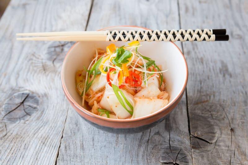 Plat coréen de kimchi photographie stock libre de droits
