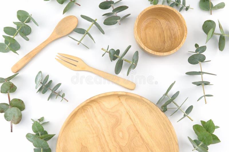 Plat, cuillère et fourchette en bois photo stock