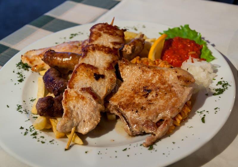 Download Plat D'assortiment De BBQ De Viande Photo stock - Image du porc, manger: 45350166
