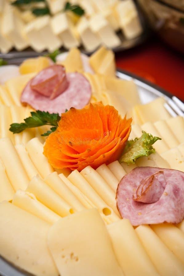 Plat de buffet de fromage photographie stock