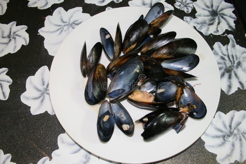 Plat de fruits de mer sur un tabel photos stock