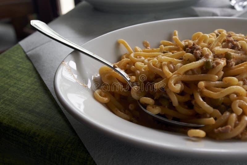 Plat des pâtes italiennes traditionnelles image libre de droits