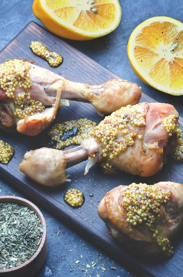 Plat des pieds de poulet frit photo stock