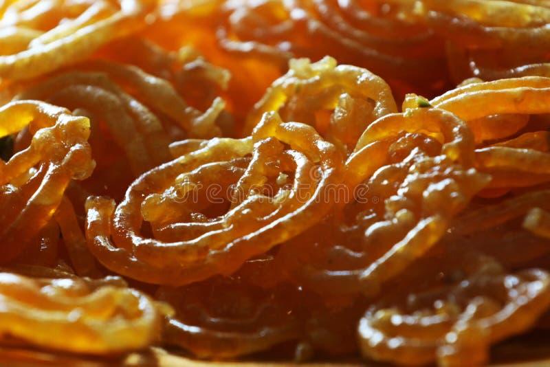 plat doux indien de jalebi Bonbons indiens traditionnels, cuits à la friteuse images stock