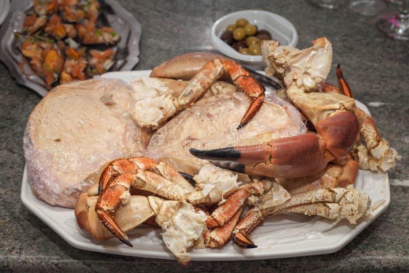 Plat fait maison de déjeuner de crabe images stock