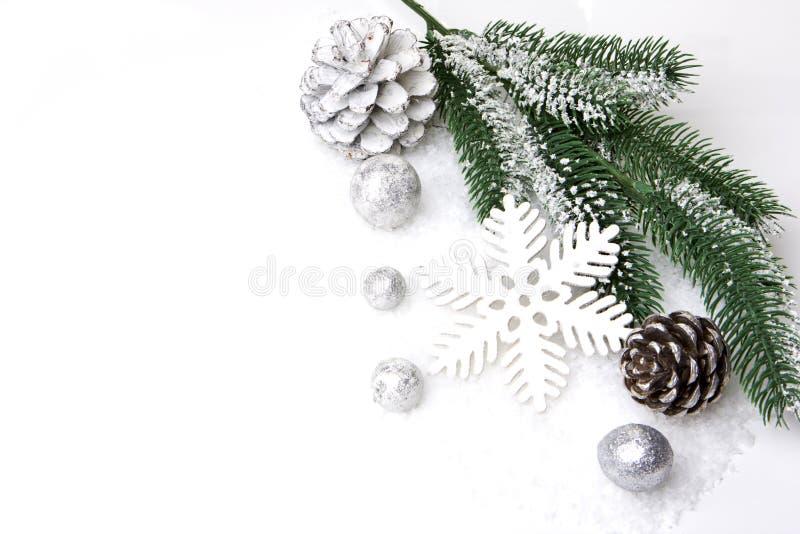 Plata y blanco de la decoración de la Navidad fotografía de archivo libre de regalías