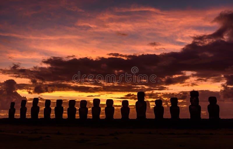 Plataforma ceremonial de Tongariki, isla de pascua, Chile imagen de archivo