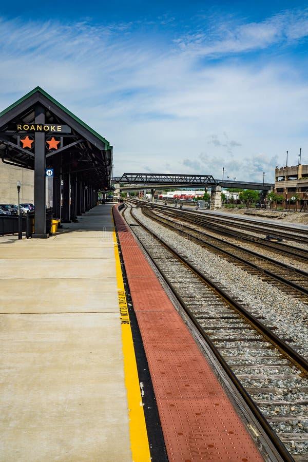 Plataforma da carga de Amtrak - Roanoke, Virg?nia, EUA imagens de stock royalty free