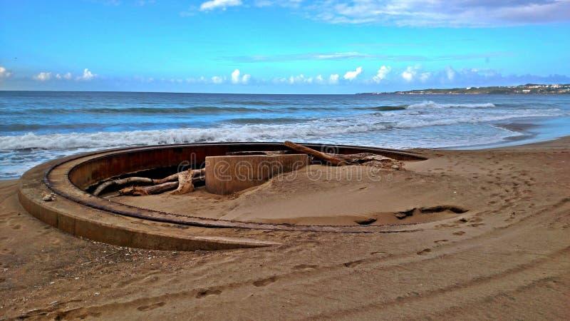 Plataforma de lanzamiento vieja de Canon en Puerto Rico fotografía de archivo