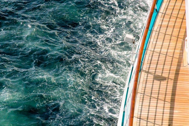 Plataforma de observação em um navio de cruzeiros luxuoso foto de stock royalty free
