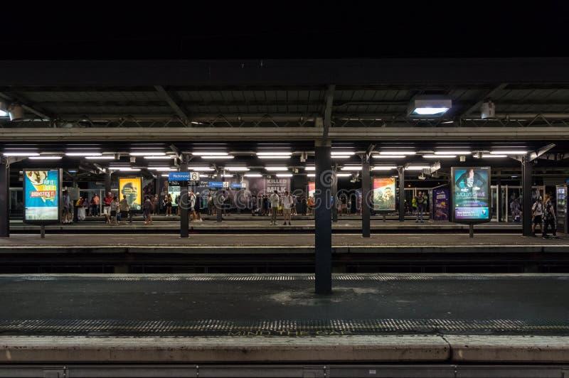 Plataforma de Richmond Railway Station en la ciudad de Yarra imagen de archivo