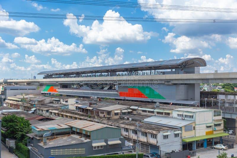 Plataforma nova Bangson do transporte público de Banguecoque da estação nova do MRT imagens de stock
