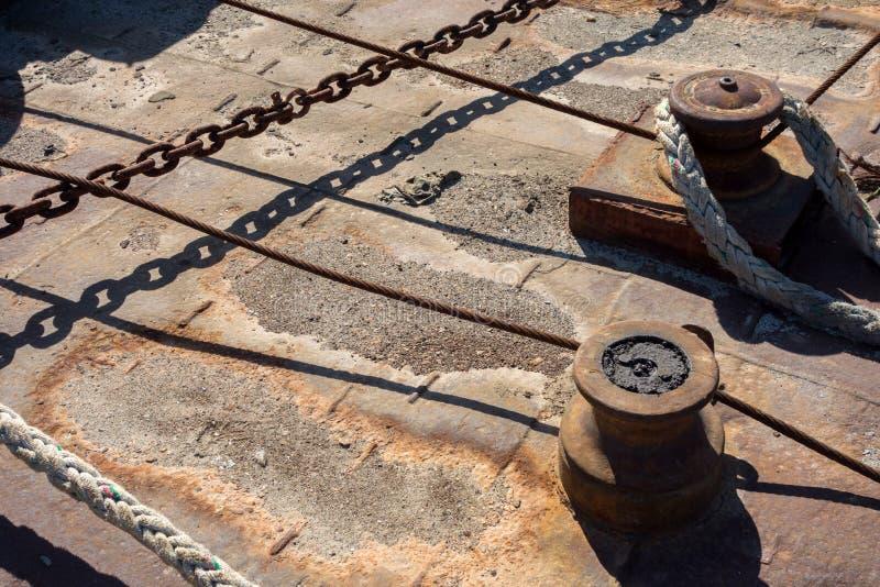 Plataforma oxidada del mar fotografía de archivo libre de regalías