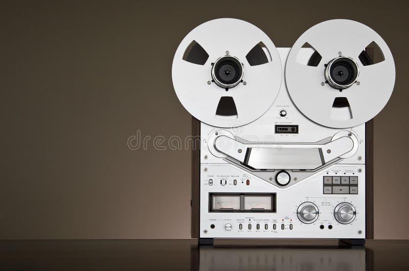 Plataforma reel-to-reel do registrador de fita do vintage fotografia de stock