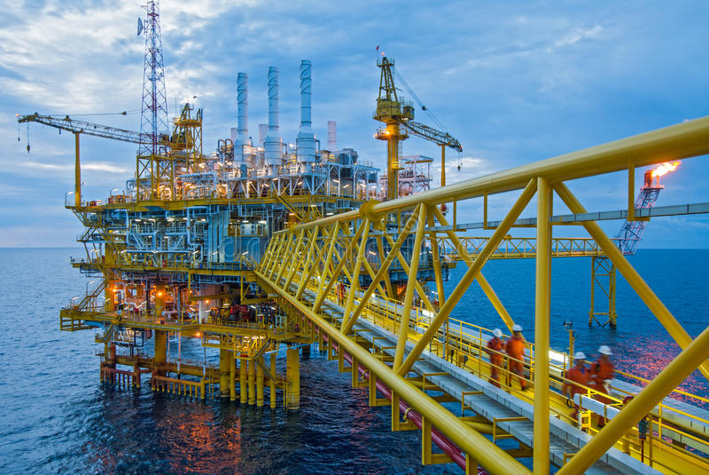 Plataformas de transferência do petróleo e gás