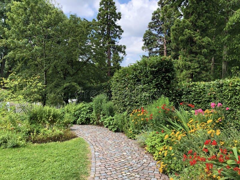 Platanenweg 5, jardín de la demostración para los jardineros de la afición florece la isla Mainau en el lago de Constanza o el da fotos de archivo libres de regalías