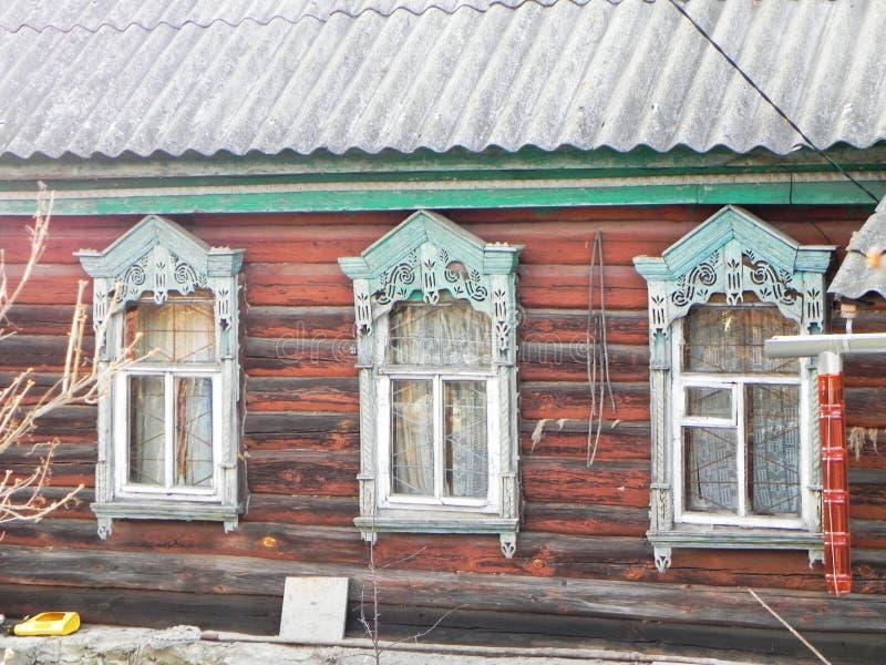 Platbands w starej wiosce, Rosyjska wioska w głąb lądu Rosja, obrazy royalty free