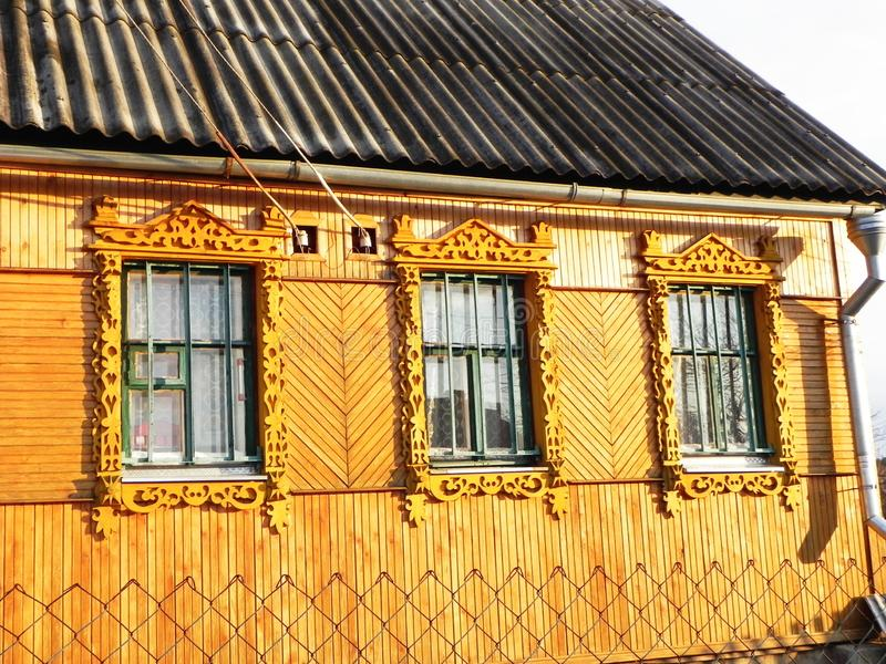 Platbands w starej wiosce, Rosyjska wioska w głąb lądu Rosja, zdjęcia stock