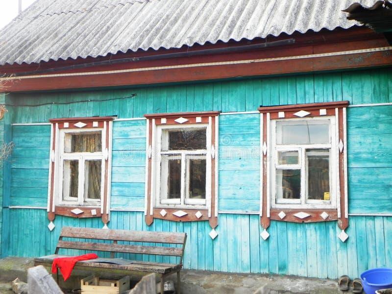 Platbands w starej wiosce, Rosyjska wioska w głąb lądu Rosja, obrazy stock