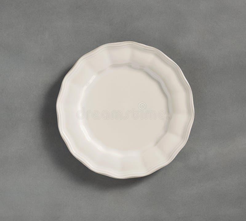 Plate a colori moderne - Semplice raccolta di sketch Dinnerware - Piastre per dinnerware a colori in bianco immagini stock libere da diritti