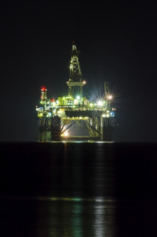 Plate-forme de forage de pétrole photos libres de droits