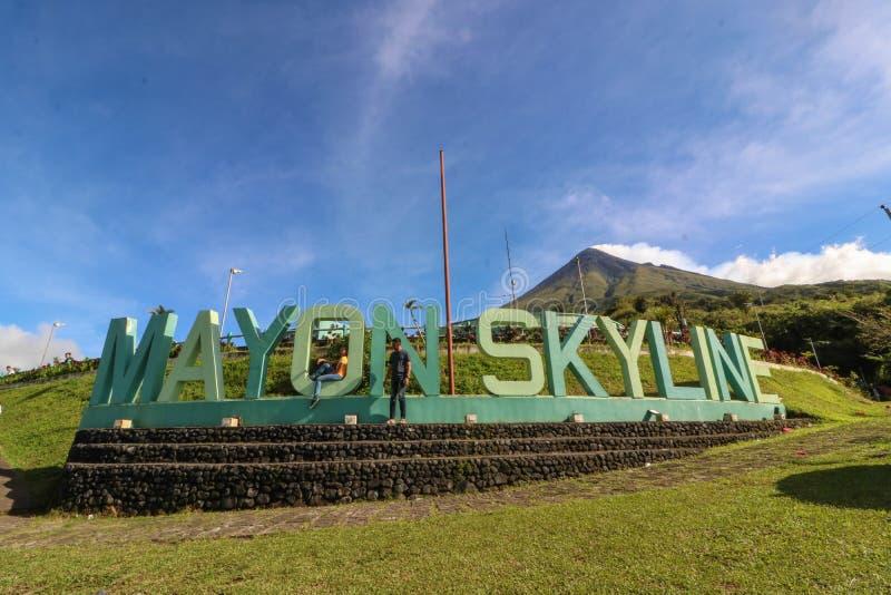 Plate-forme de vue d'horizon de Mayon photo libre de droits