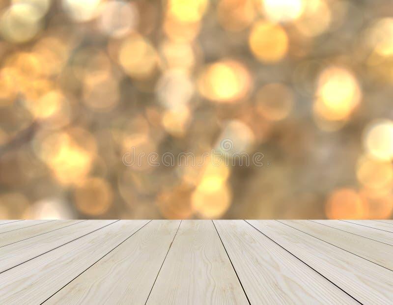 Plate-forme en bois vide de perspective avec la tache floue abstraite de scintillement Bokeh d'arc-en-ciel employé comme calibre  photos stock