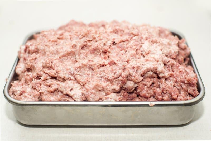 Plateau avec de la viande hachée photos libres de droits