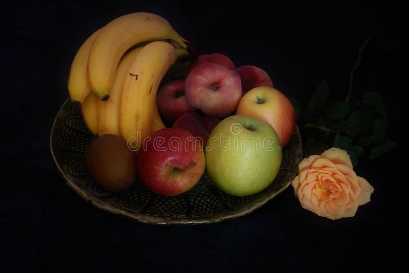 Plateau de fruit photo libre de droits