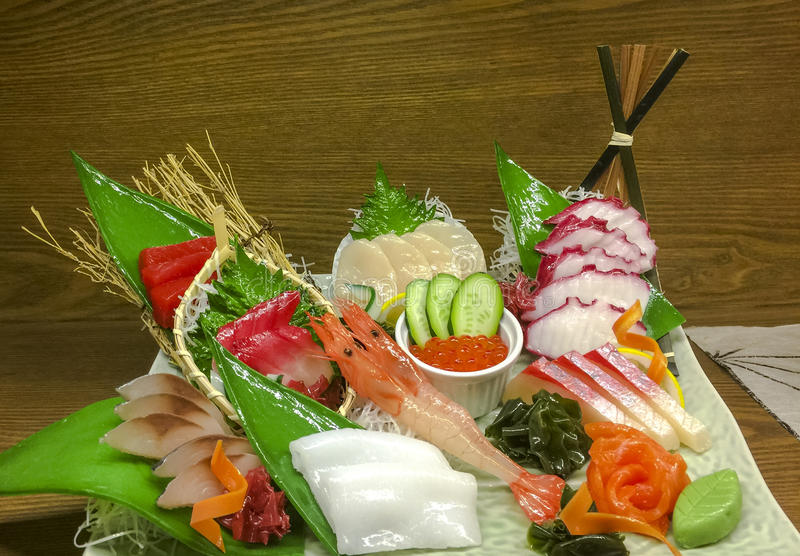 Plateau de sashimi photographie stock