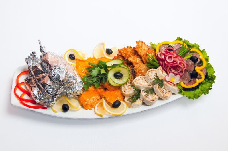 Plateau de viande servi en restaurants et cafés image libre de droits