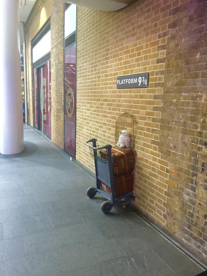Platform 9 and 3/4 at Kings Cross Station stock photography