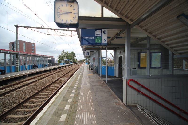 Platform op het hol IJssel van postnieuwerkerk aan in Nederland royalty-vrije stock foto