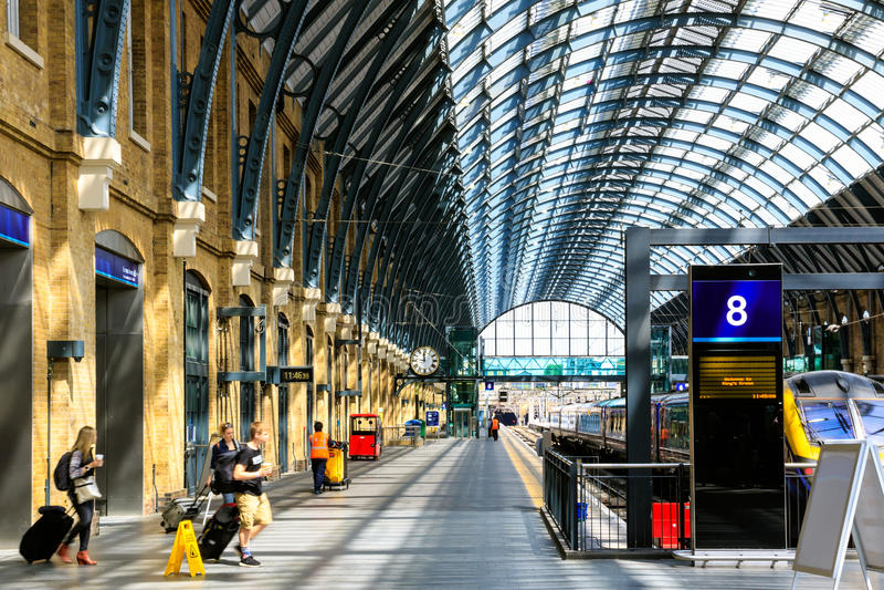 Platform 8 van de koningen Dwarspost royalty-vrije stock afbeelding