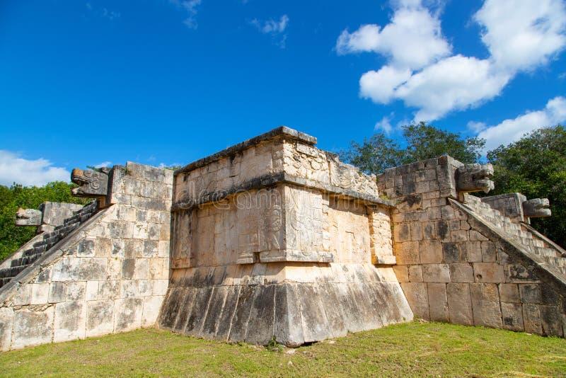 Platform van Venus op Chichen Itza op het schiereiland Yucatan in Mexico royalty-vrije stock foto's