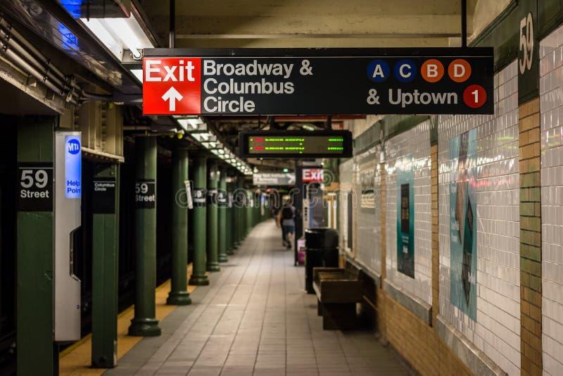 Platforma przy Kolumb okręgu stacją metrą w Miasto Nowy Jork zdjęcie stock