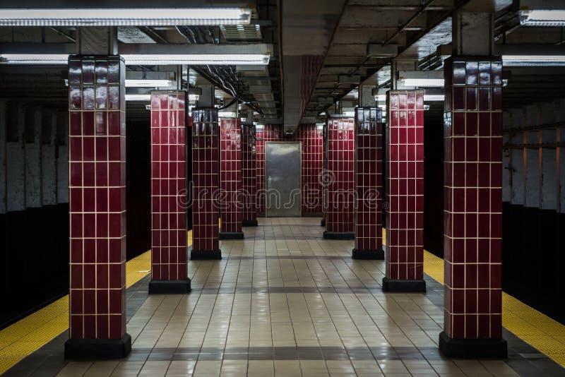 _platforma przy Tasker Morris stacja, w Po?udniowy Filadelfia, Pennsylwania zdjęcia royalty free