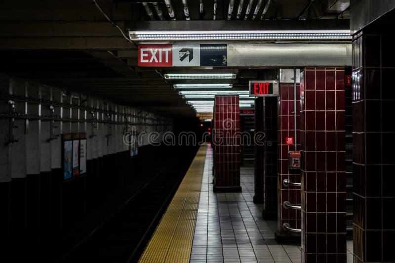 _platforma przy Tasker Morris stacja, w Po?udniowy Filadelfia, Pennsylwania obraz stock