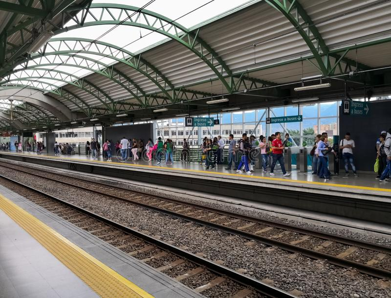 Platforma stacja Medellin metro, Kolumbia Perspektywiczny widok obraz royalty free